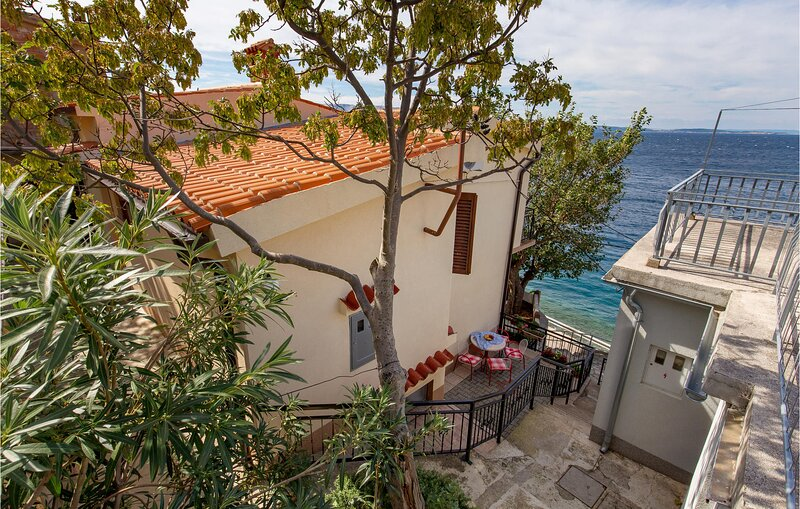 Amazing home in Starigrad with WiFi and 1 Bedrooms (CKV554), holiday rental in Donja Klada