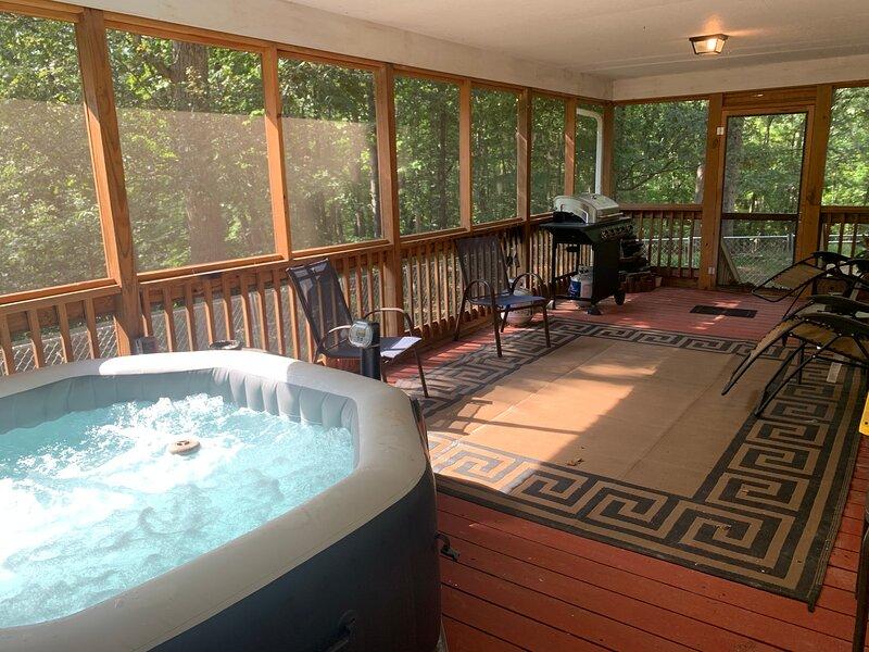 Rural House w/ Relaxing Back Porch, location de vacances à Murrayville