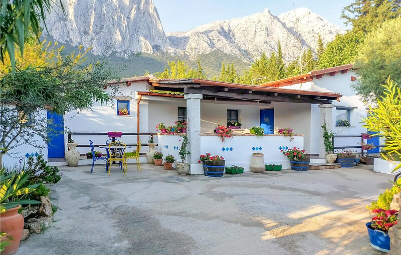 Amazing home in Oliena with 2 Bedrooms (IGN072), holiday rental in Mamoiada