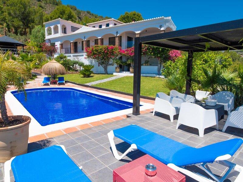 Luxury Villa with private pool La Herradura, alquiler de vacaciones en La Herradura
