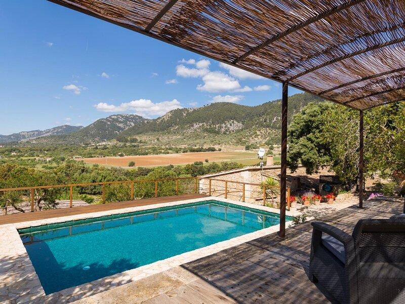 Es Pontet - Stunning villa with pool and garden in Campanet, aluguéis de temporada em Campanet