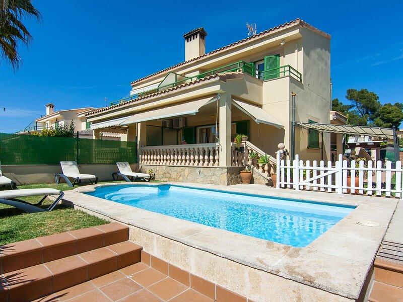 Goleta - Beautiful villa with pool and garden in Platja de Muro, casa vacanza a Playa de Muro