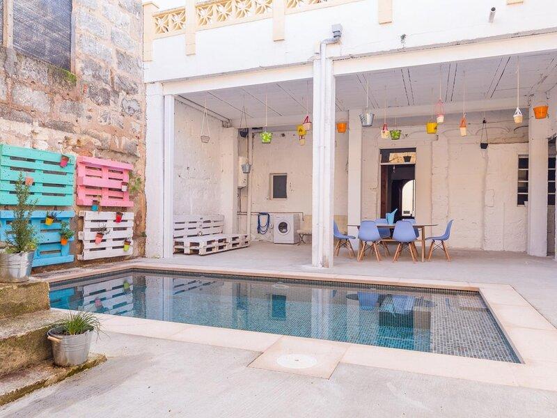 La Penya - Beautiful townhouse with pool and terrace in Sa Pobla, aluguéis de temporada em Sa Pobla