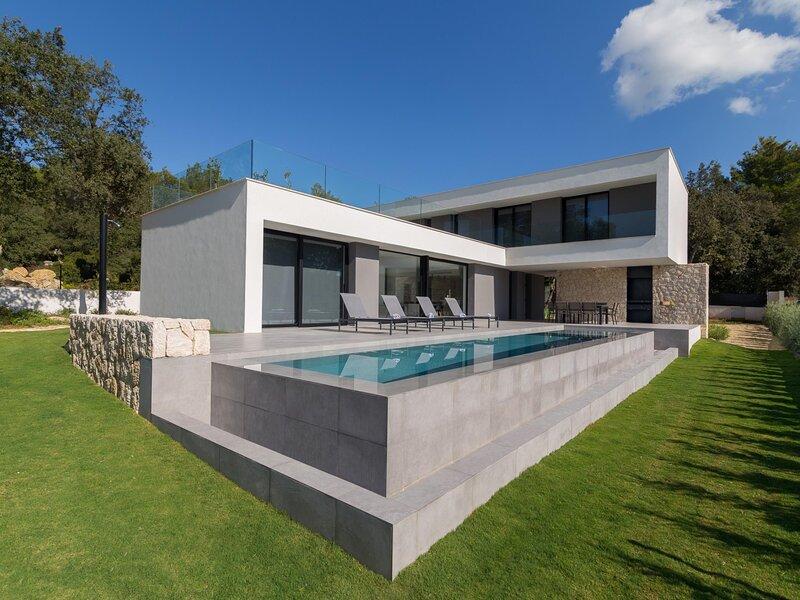 Sol Crestatx - Beautiful and modern villa located in Crestatx, aluguéis de temporada em Sa Pobla
