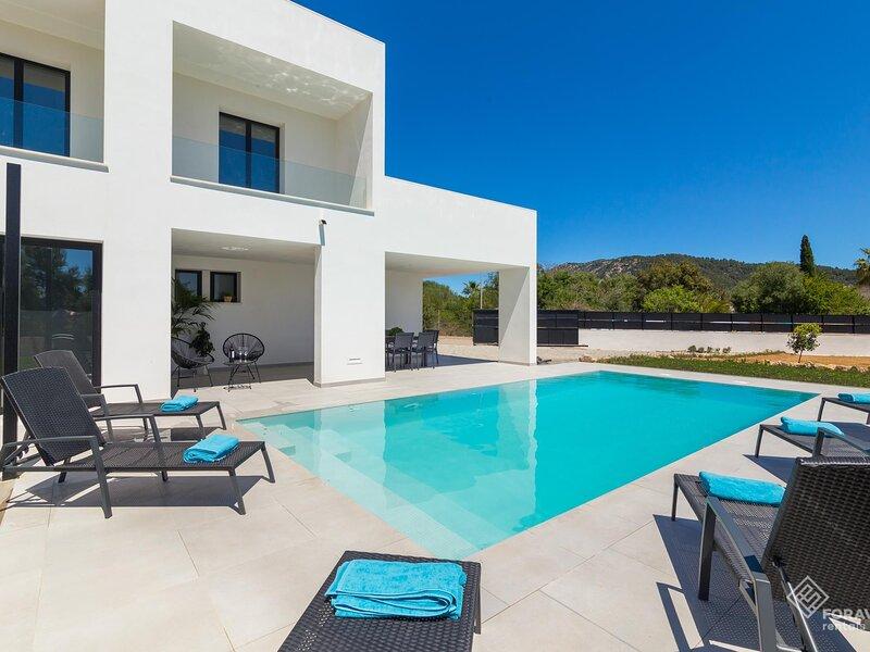 Herba Sana 1 - Beautiful and modern villa located in Crestatx, aluguéis de temporada em Sa Pobla