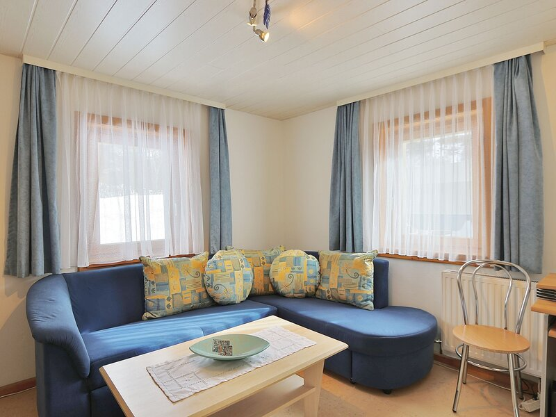Serene Apartment in Niedernsill with Private Terrace, holiday rental in Enzingerboden