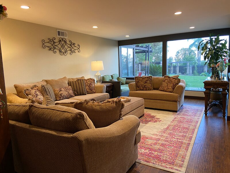 Beautiful big house in the best location, vacation rental in Rancho Cucamonga