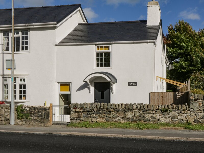 Pennant Cottage, Tal-Y-Bont, vacation rental in Rowen