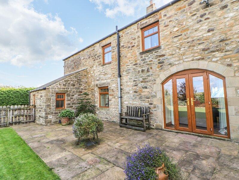 THE BARN COTTAGE, stone cottage, woodburner, WiFi, pet-friendly, near Hexham, location de vacances à Haydon Bridge