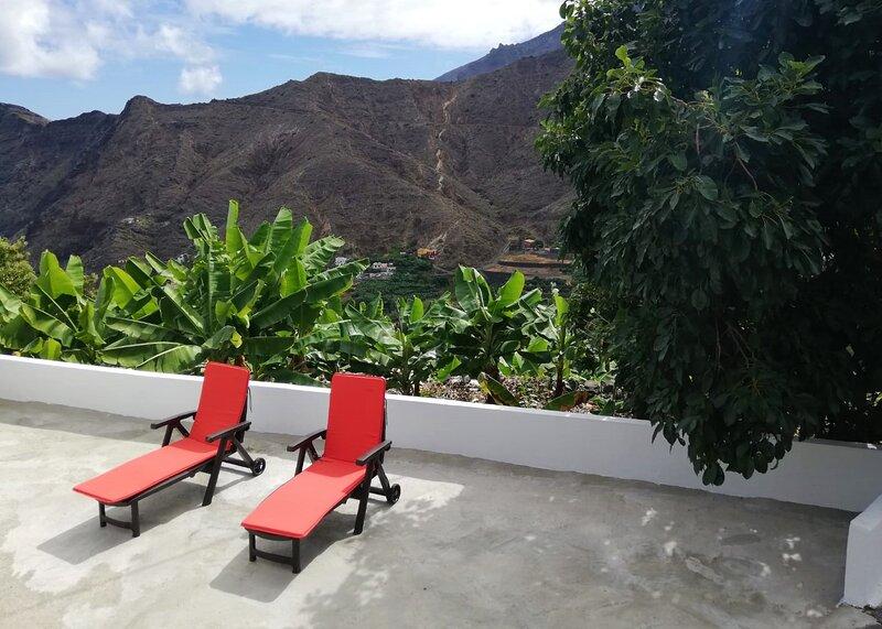 Casa Lita in Hermigua, mit Blick auf den Atlantik, holiday rental in Las Casas