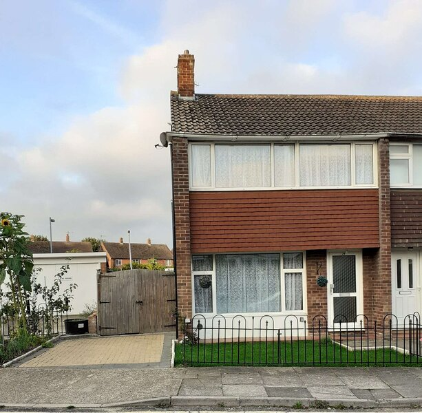 4 Bed House in Canterbury Centre, holiday rental in Petham