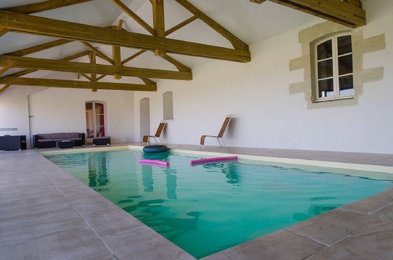 Big villa with swimming-pool & Wifi, Ferienwohnung in Murs-Erigne