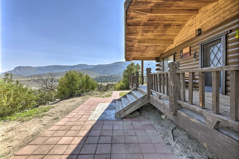 Sprawling Mountain Escape: Great for Large Groups, holiday rental in Mancos