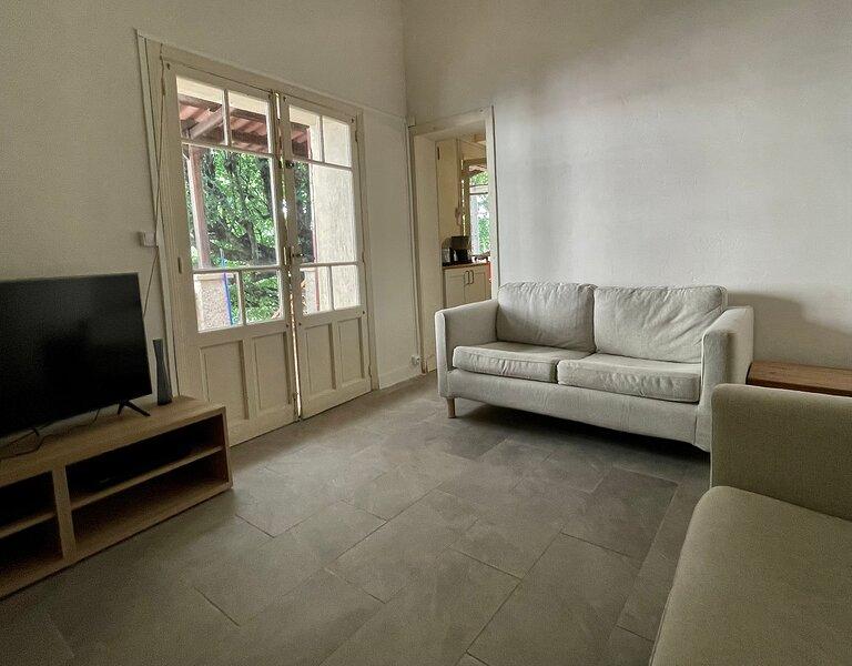 Coeur Luberon : Maison de charme dans village provençal, holiday rental in Saint-Martin-de-la-Brasque