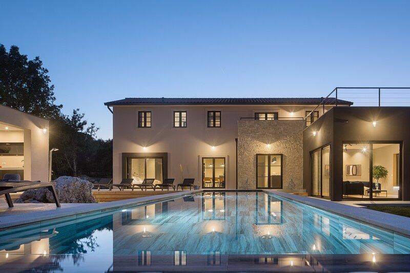 Beautiful Villa Mons Caldera, casa vacanza a Kozljak