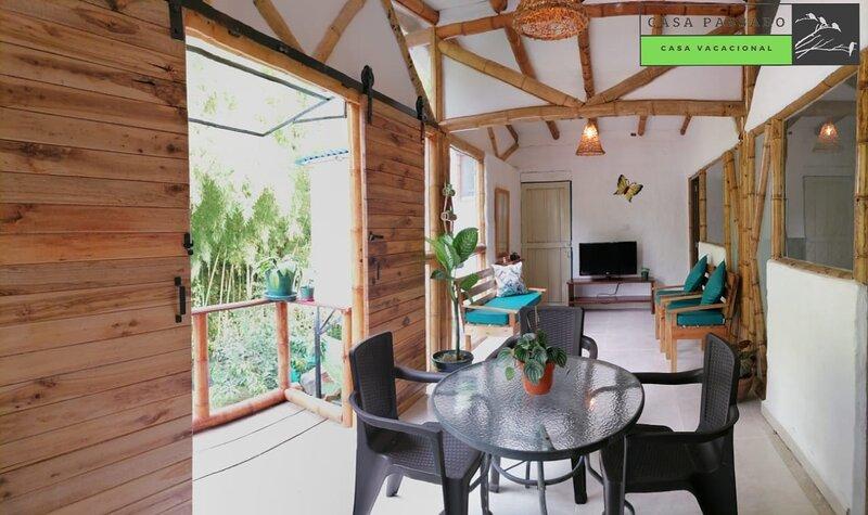Rodeate de verde. Apto 2 habitaciones. 5 personas., holiday rental in Barcelona