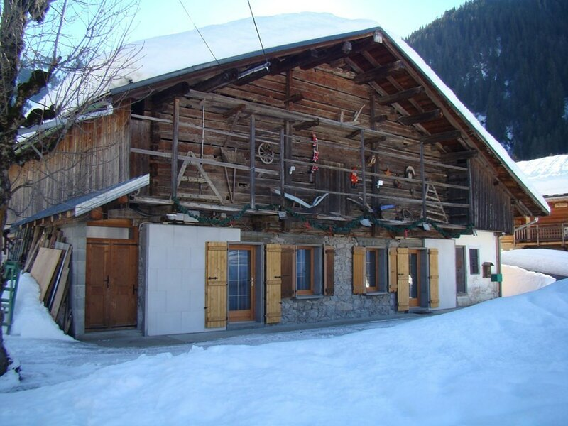 Chalet traditionnel, 2 **, 8 pers. 3 chbres, hameau typique montagne – semesterbostad i Areches