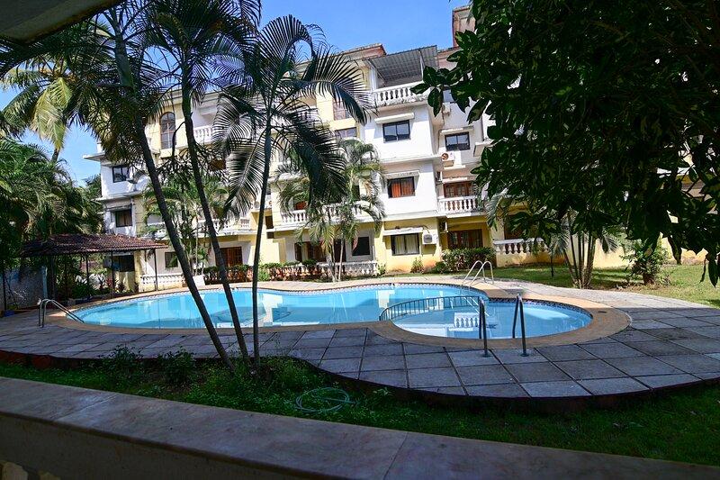 TripThrill Goan Imperial Holidays 2BHK-2, vacation rental in Carmona
