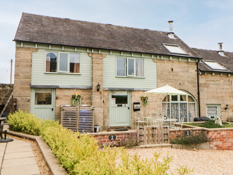 OLD HALL COTTAGES, countryside views, Mayfield, vacation rental in Thorpe