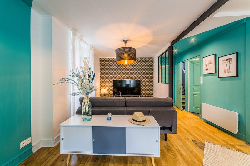 LESTANG #2 - Appartement Contemporain - 1 Chambre – semesterbostad i Donzenac