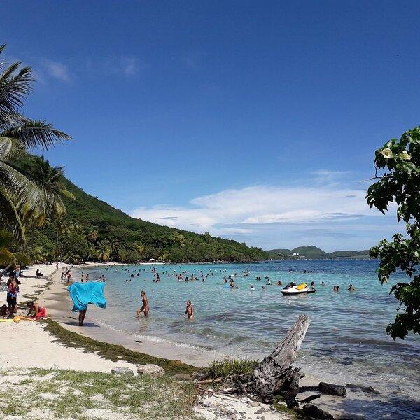 Location maison  bord de mer Martinique, holiday rental in Riviere-Pilote