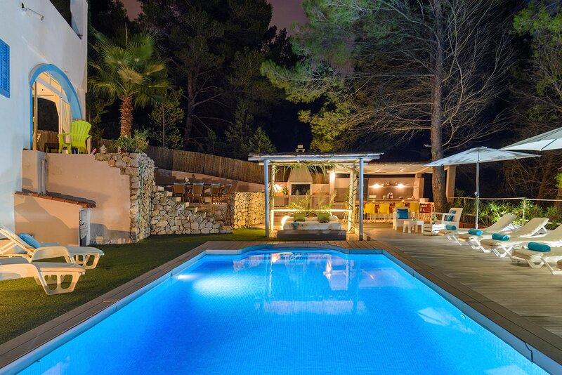 TREASURE VILLA, holiday rental in Puig d'en Valls