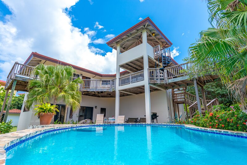 Villa Amani (Formerly Holly House) - POOL, New Reno's, Close to The Baths, holiday rental in The Baths