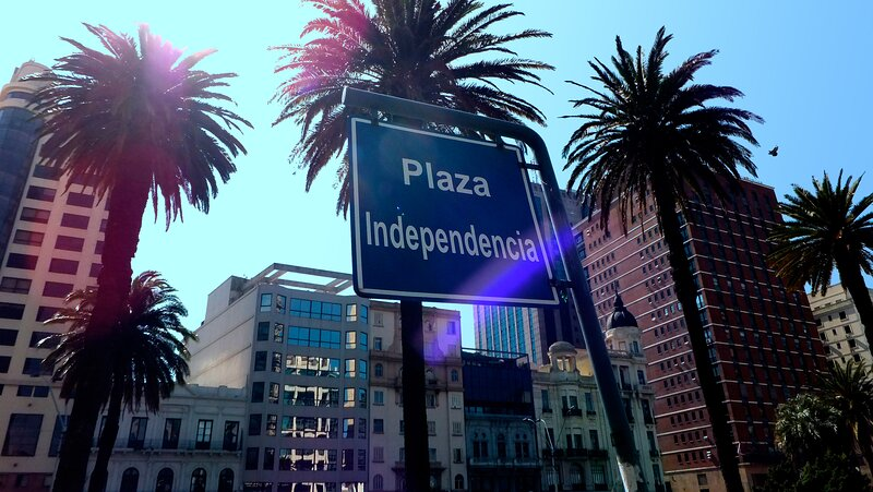 Stylish apart with big terrace in the historic center, alquiler de vacaciones en Montevideo