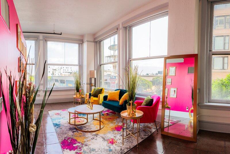 Beautiful Vibrant Chic LA Loft, vacation rental in Glendale