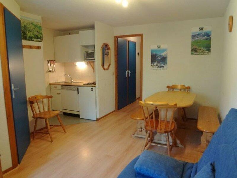 Appartement 4/6 pers. au coeur de village, prox. remontées mécaniques, holiday rental in Areches