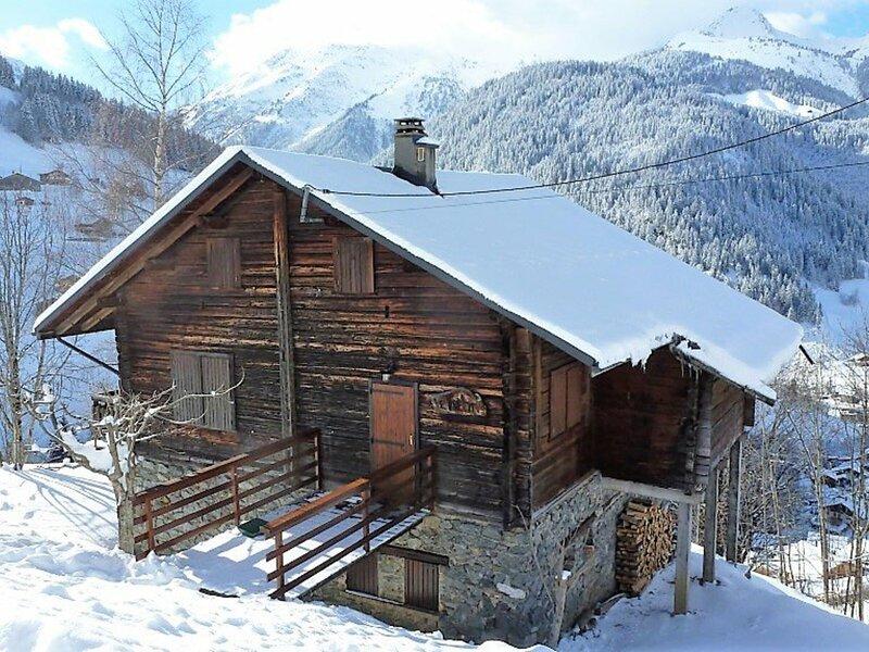 IDEAL FAMILLE - Beau chalet de montagne pour 8/10 personnes, holiday rental in Areches