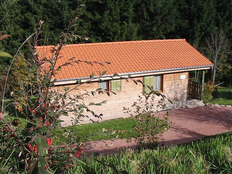 Location Gîte Les Noes, 3 pièces, 4 personnes – semesterbostad i Lavoine