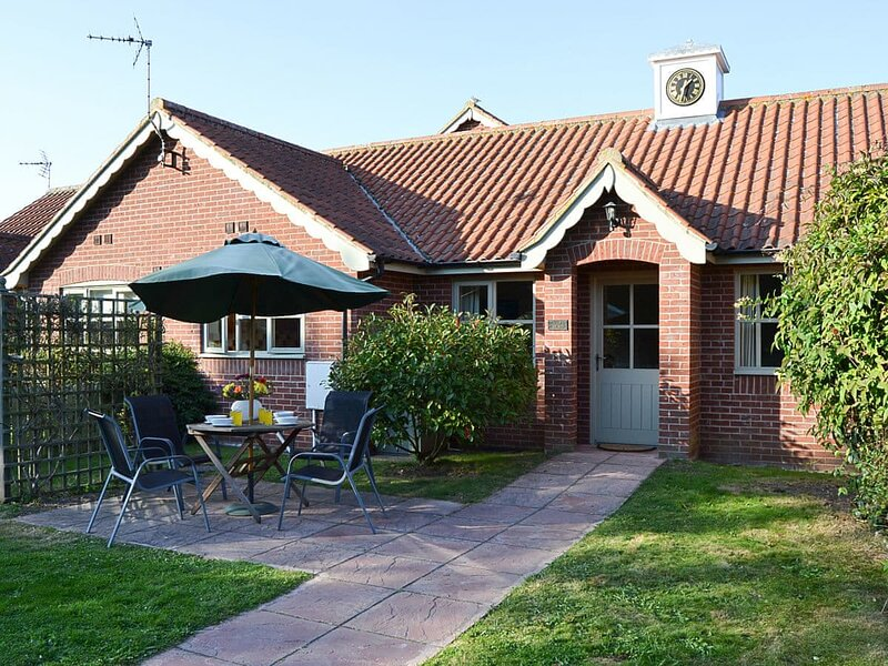 Lily Broad Cottage, holiday rental in Potter Heigham