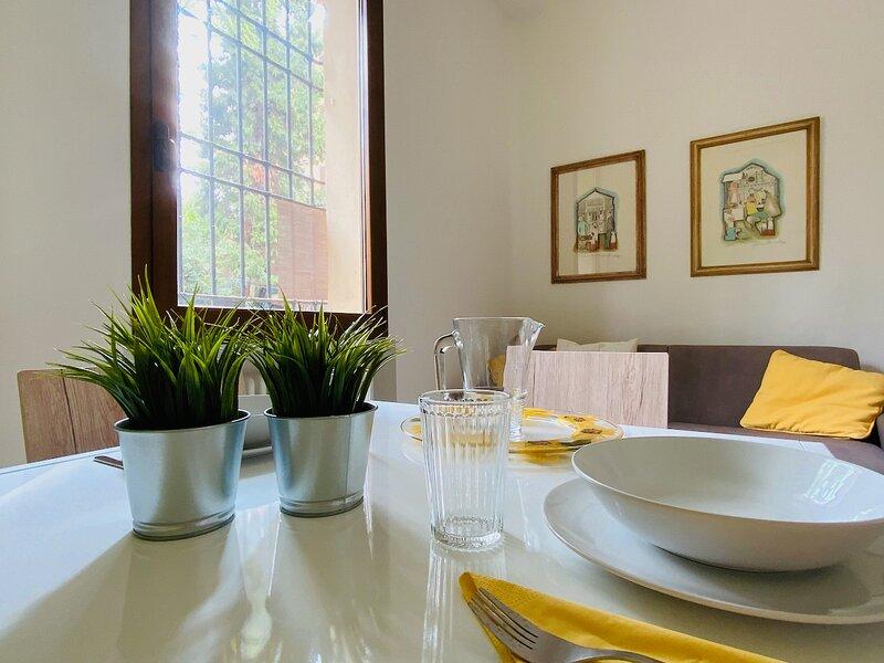 Casa Clò 2 _ Appartamento a Bologna: Centro, Università e Ospedale S.Orsola, aluguéis de temporada em San Lazzaro di Savena