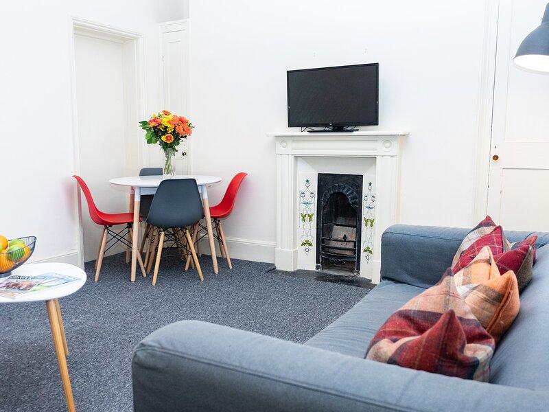 Top Floor Apartment, Cheltenham, vacation rental in Birdlip