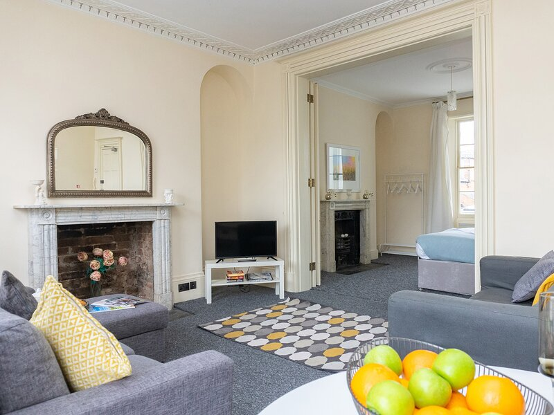 First Floor Apartment, Cheltenham, vacation rental in Birdlip