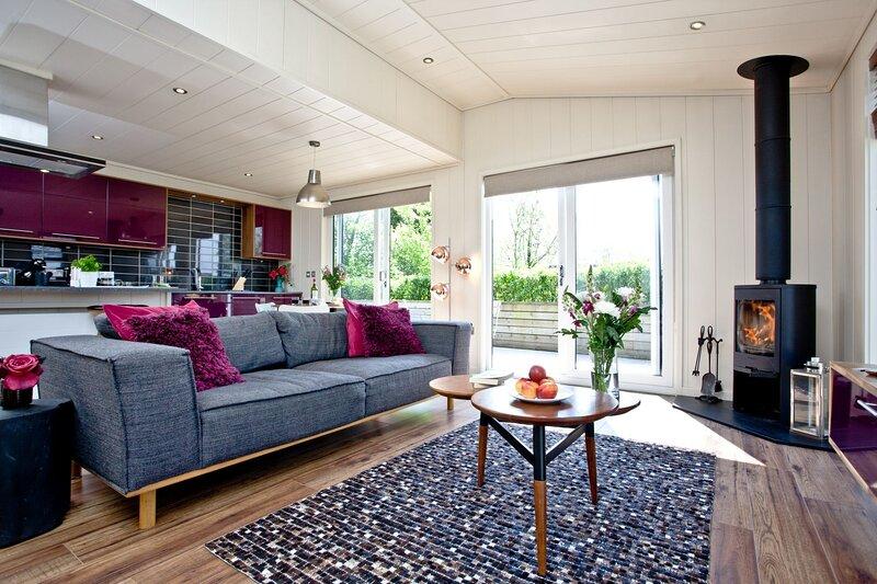 Mulberry Lodge, Strawberryfield Park - A luxurious couples retreat with a bubbli, alquiler de vacaciones en Cheddar