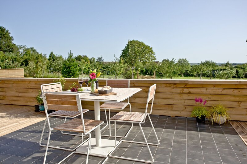 Cheddar Pink, Strawberryfield Park - Hot tub luxury in the heart of the Somerset, casa vacanza a Priddy