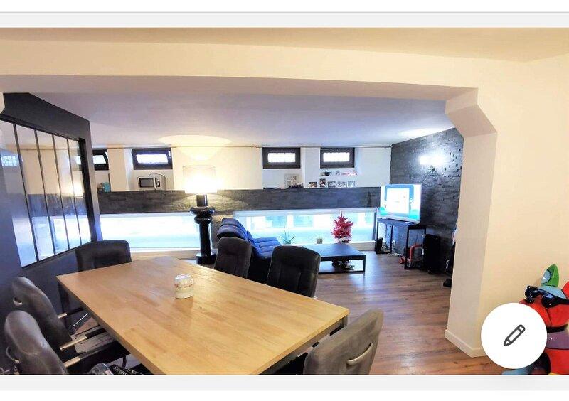 Logement Hyper-Centre Idéalement situé, Ferienwohnung in Murs-Erigne