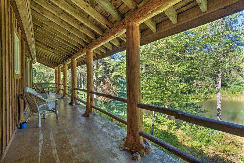 NEW! Brookieridge Lodge: Tug Hill Paradise!, holiday rental in Sandy Creek