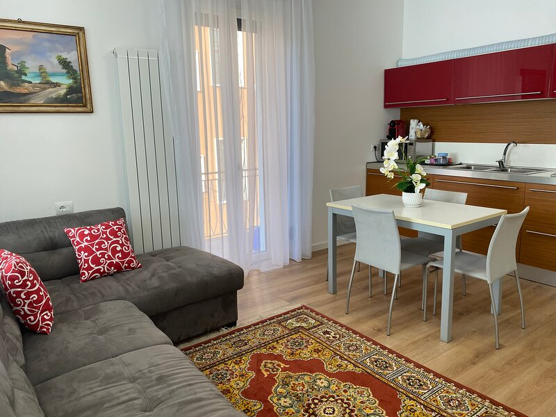 Luxury apartment area Malpensa, holiday rental in Pombia