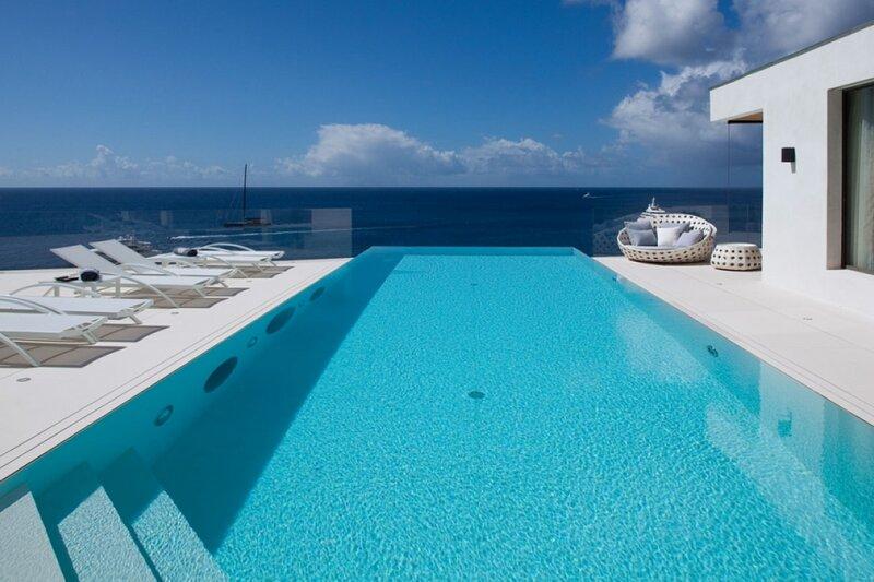 Villa Vitti | Ocean Front - Located in Exquisite Shell Beach with Private Pool, aluguéis de temporada em Gustavia
