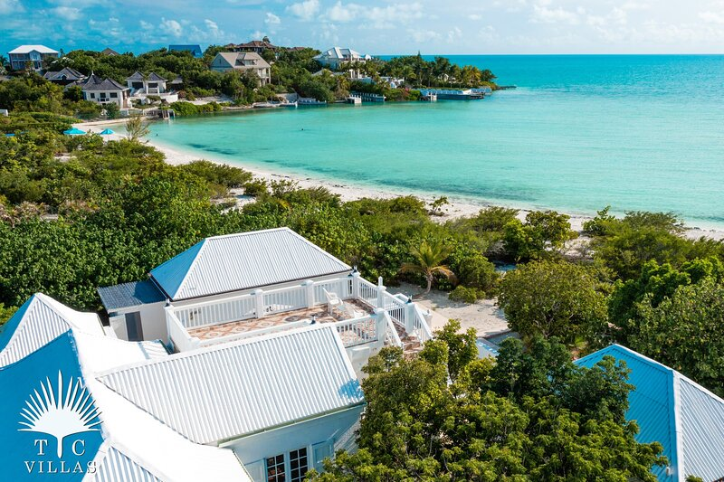 TC Villas // Coccoloba Beach House // Comfy, cozy, right on the beach, holiday rental in Turtle Cove