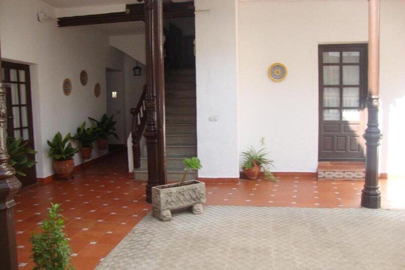 Casa De Comedias - Plaza Mayor, holiday rental in Valdepenas