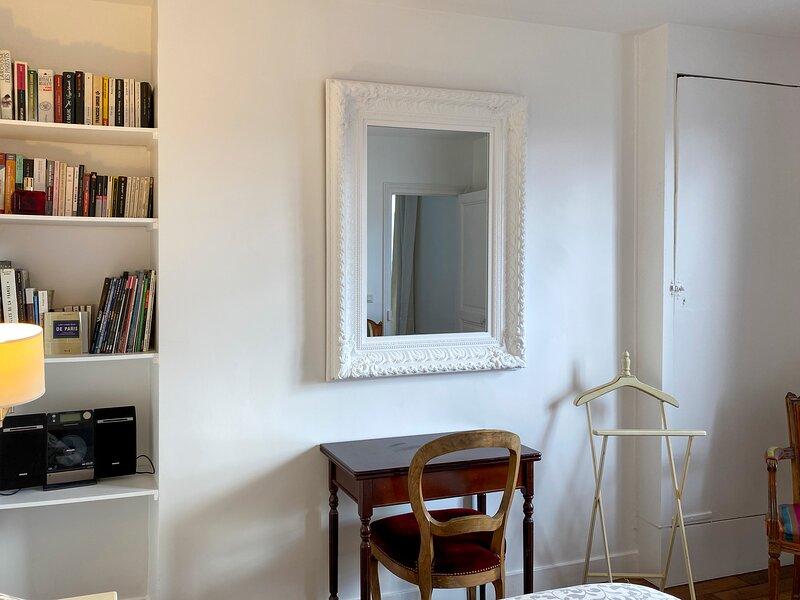 Appartement Parisien de Standing, holiday rental in Seine-Saint-Denis