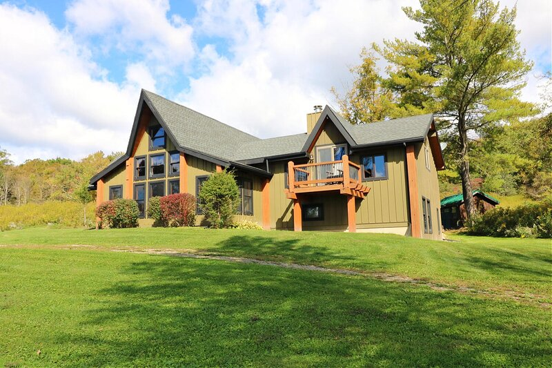 Smokey Valley Lodge, holiday rental in Great Valley