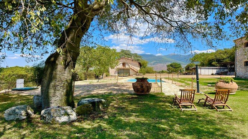 SPOLETO BIOFARM/SPOLETO 5 KMS/SLPS 8/ROME 1 HR/EXC SALT POOL + GROUNDS/SHOPS 1KM, alquiler de vacaciones en Borgo Cerreto