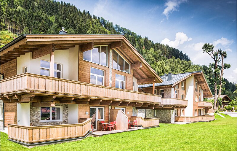Awesome apartment in Zell am See with WiFi and 3 Bedrooms (ASA257), holiday rental in Bruckberg