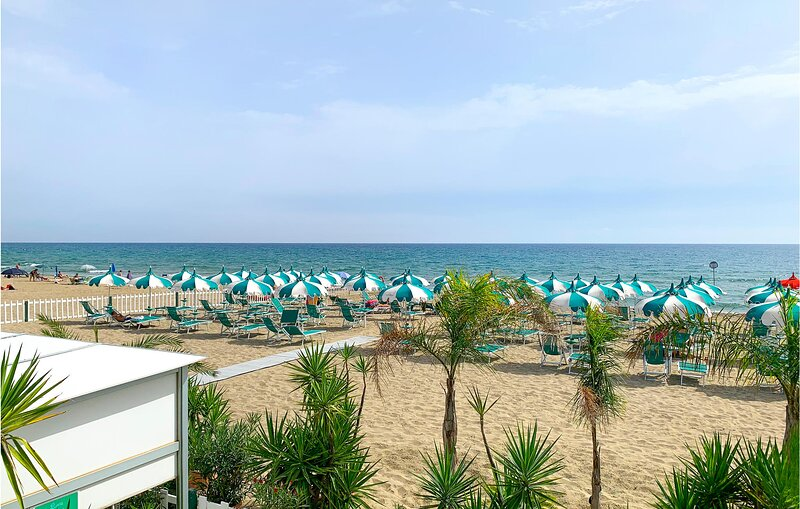 Beautiful apartment in Terracina with WiFi and 3 Bedrooms (IRK208), holiday rental in Porto Badino
