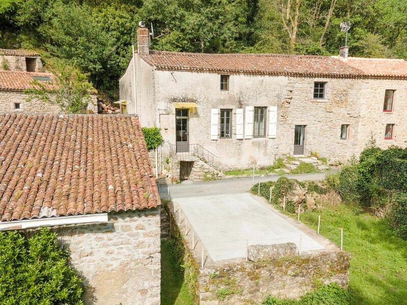Le Clos de la Duchesse - La Maison, holiday rental in La Verrie
